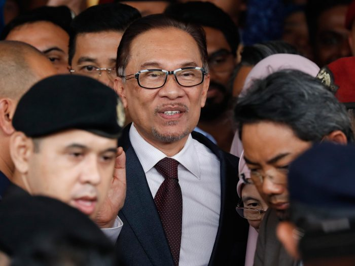 Tercorengnya Nama Anwar Ibrahim Dalam Dunia Politik Malaysia