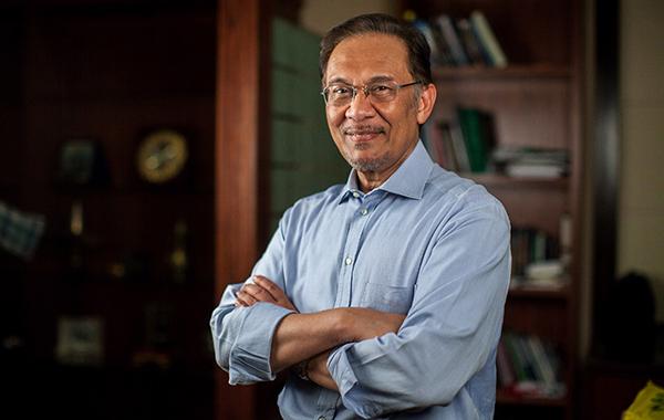 Skandal yang membelenggu Anwar