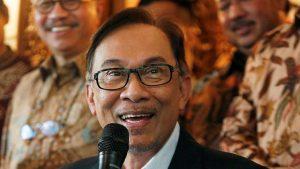 Lika liku Karir Politik Anwar Ibrahim